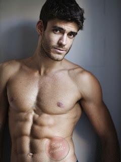 karizmatik erkekler yakışıklı karizmatik erkekler yakışıklı