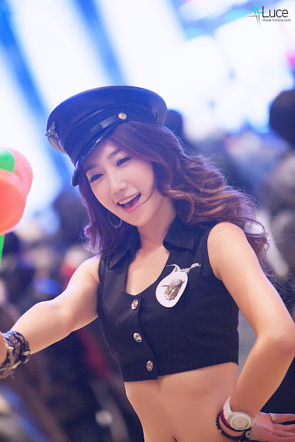 4 Lee Sung Hwa at D&F Festival 2012-Very cute asian girl - girlcute4u.blogspot.com