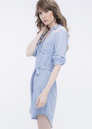 Renner coleção feminina Primavera Verão 2016 vestido jeans com detalhe em renda