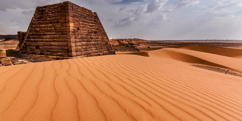 Meroéi piramisok. Begrawijja, Szudán.