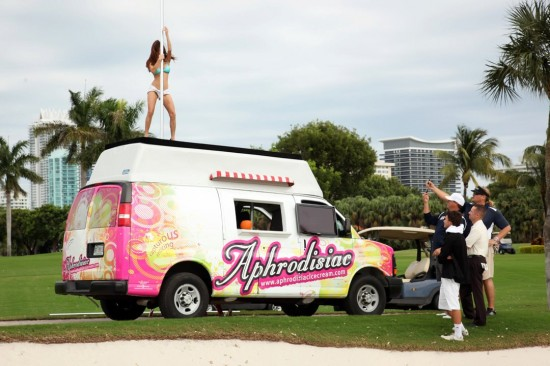 WorldWeirdWeb: Aphrodisiac – America's Hottest Ice Cream Truck