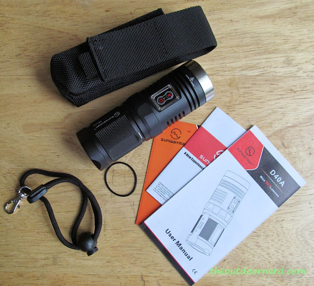 Sunwayman D40A [4xAA Flashlight] - With All the Goodies In Package