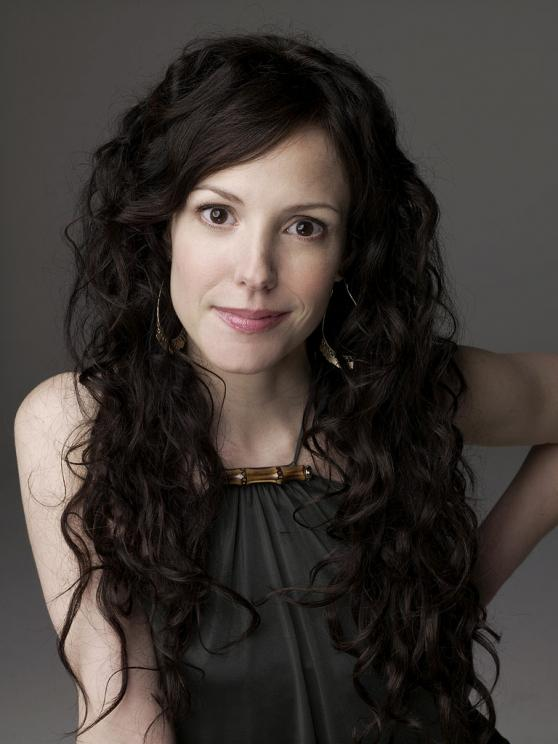 Mary Louise Parker Height, Weight And Body Measurements