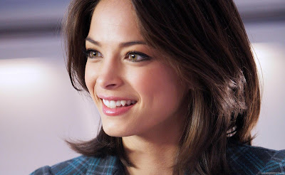 Kristin Kreuk Hollywood Famous Actress Wallpaper-1440x1280