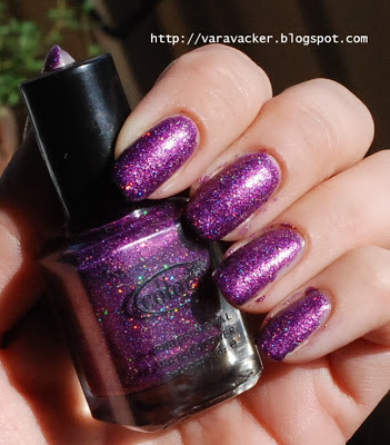 naglar, nails, nagellack, nail polish, lil, color club, holographic, holografiskt, holofredag