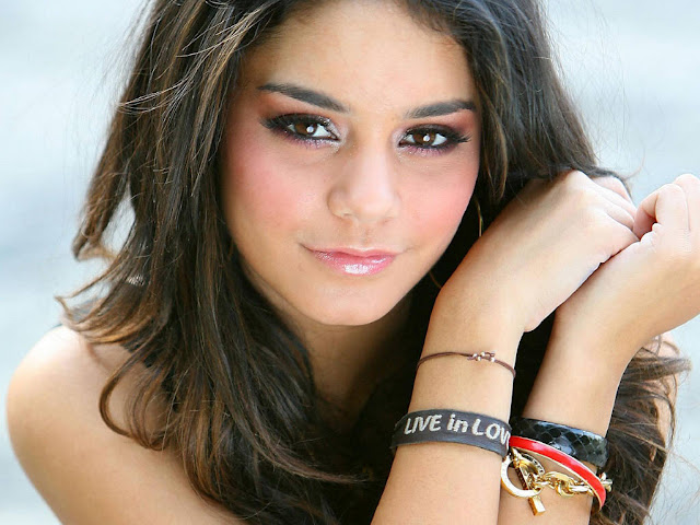 Vanessa Hudgens Photos, Wallpapers and Pictures