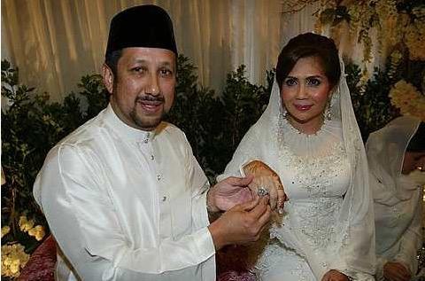 Tengku Zawyah, bekas isteri Datuk K kahwini Datuk Rayyan