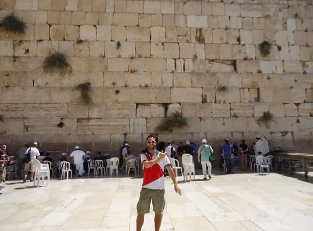 Quenelle at the Western Wall