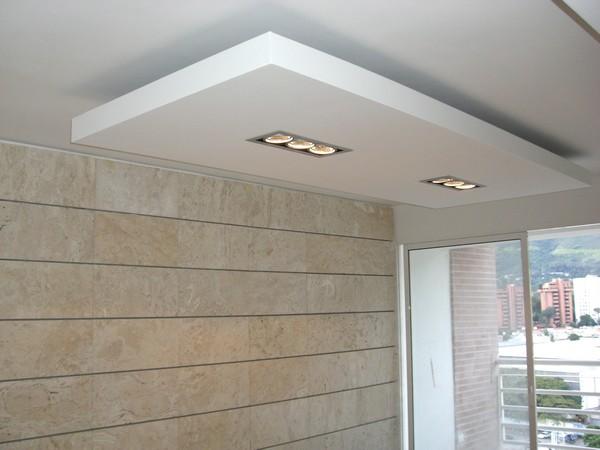 Remodelaciones en general trabajos en yeso y drywall for Techos en draibol modelos
