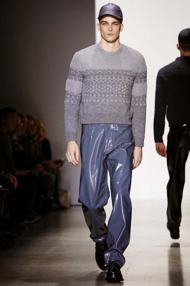 Calvin Klein AW15, Calvin Klein FW15, Calvin Klein Fall Winter 2015, Calvin Klein Autumn Winter 2015, Calvin Klein, du dessin aux podiums, dudessinauxpodiums, MFW, Pitti Uomo, mode homme, menswear, habits, prêt-à-porter, tendance fashion, blog mode homme, magazine mode homme, site mode homme, conseil mode homme, doudoune homme, veste homme, chemise homme, vintage look, dress to impress, dress for less, boho, unique vintage, alloy clothing, venus clothing, la moda, spring trends, tendance, tendance de mode, blog de mode, fashion blog,  blog mode, mode paris, paris mode, fashion news, designer, fashion designer, moda in pelle, ross dress for less, fashion magazines, fashion blogs, mode a toi, revista de moda, vintage, vintage definition, vintage retro, top fashion, suits online, blog de moda, blog moda, ropa, blogs de moda, fashion tops, vetement tendance, fashion week, Milan Fashion Week