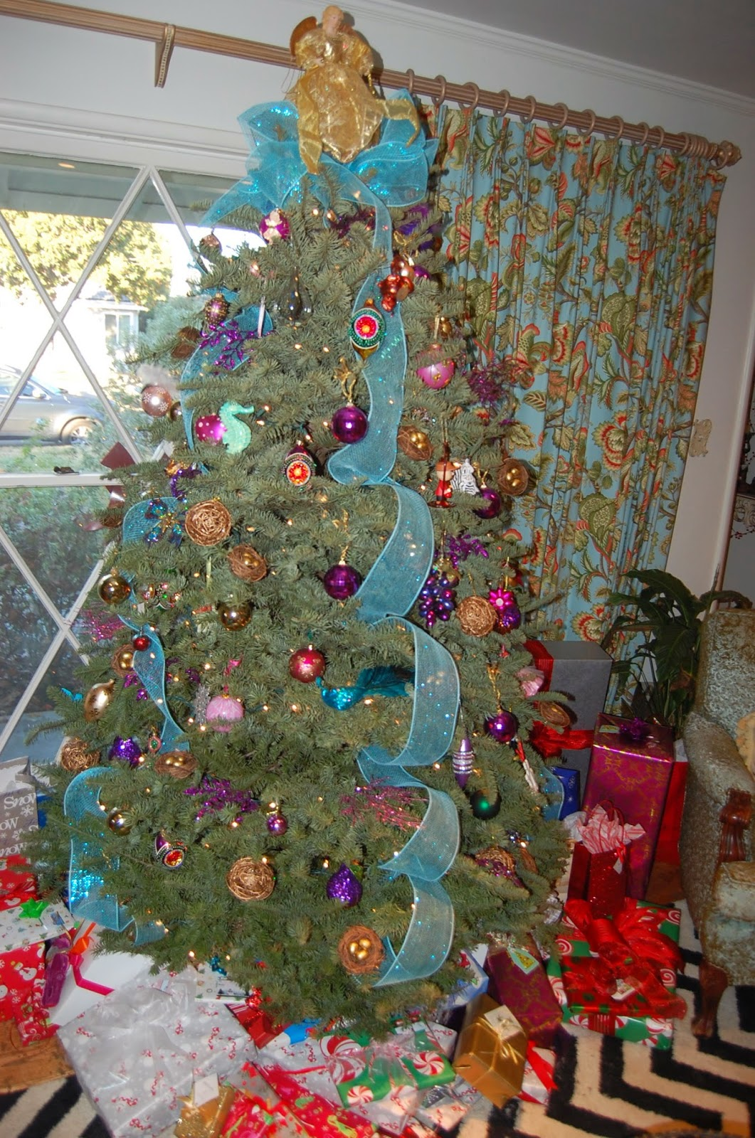 One Fabulous Mom A Little Christmas Tour Christmas Tree