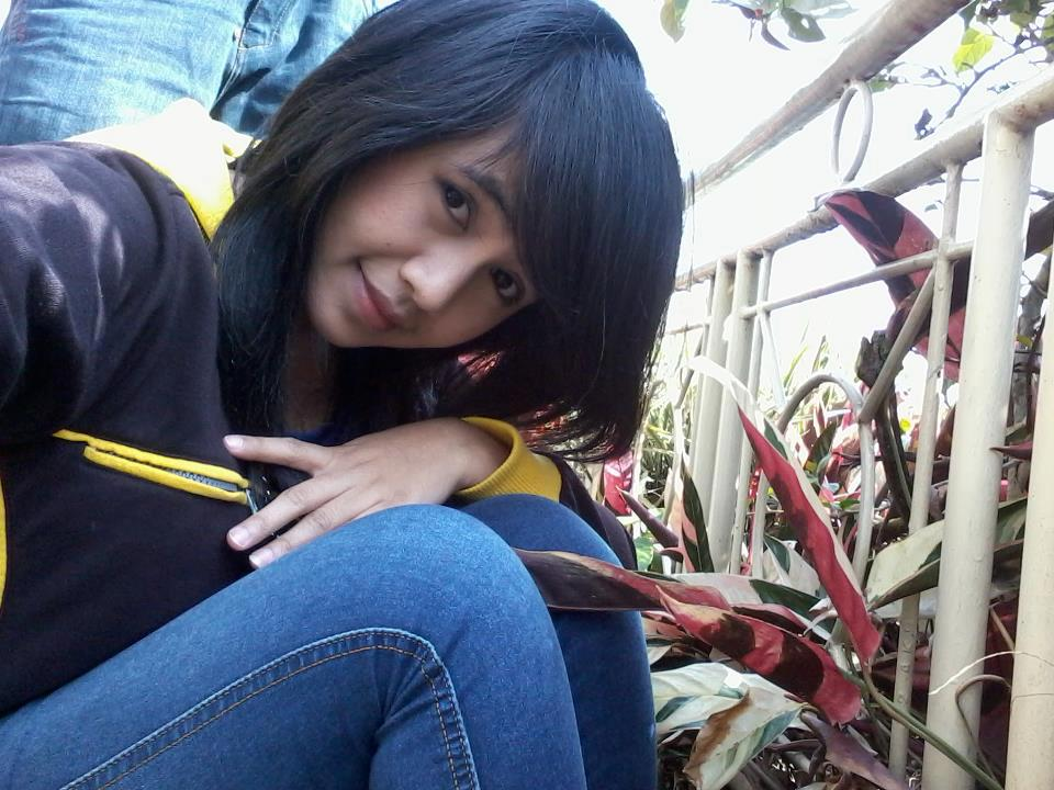 cewek cewek facebook putri syafira