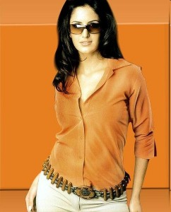 only-katrina: Katrina Kaif in jeans and top