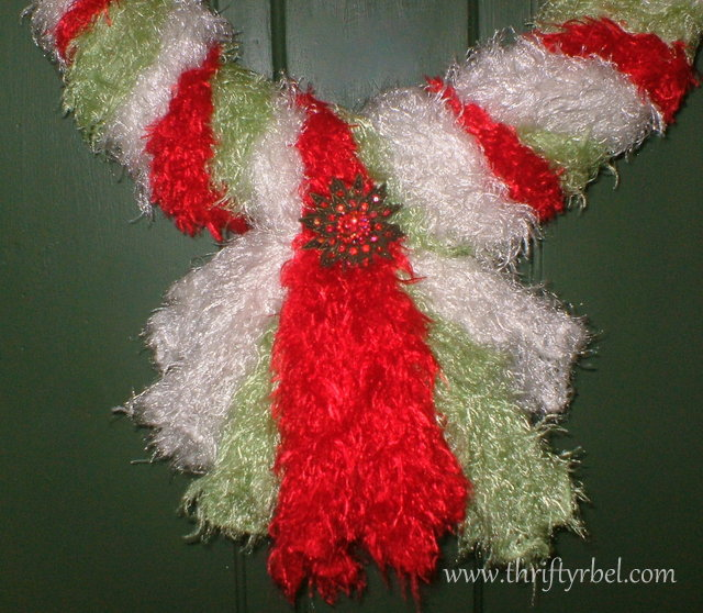christmas-wreath-made-of-scarves