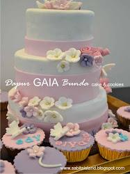 wedding cake n cupcakes