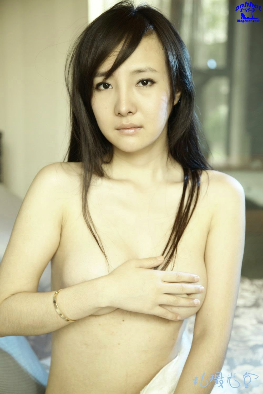 gan-lu-lu-naked_yGdU0Vg