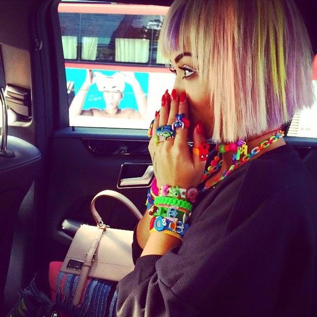 Rita Ora abuses colorful accessories