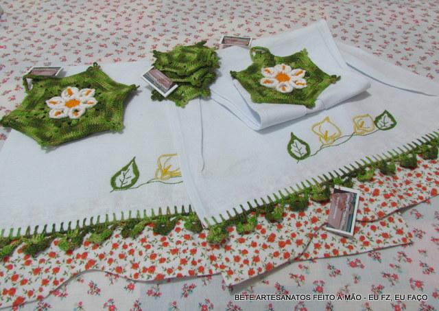 Armario Modulado Casal ~ Blog da Bete Artesanatos Kit Cozinha Artesanato em Tecido e Croch u00ea Flor Copo de Leite