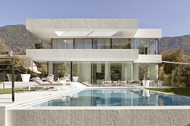 Casa toda branca com planta arquitetura e decora o for Best small house plans residential architecture