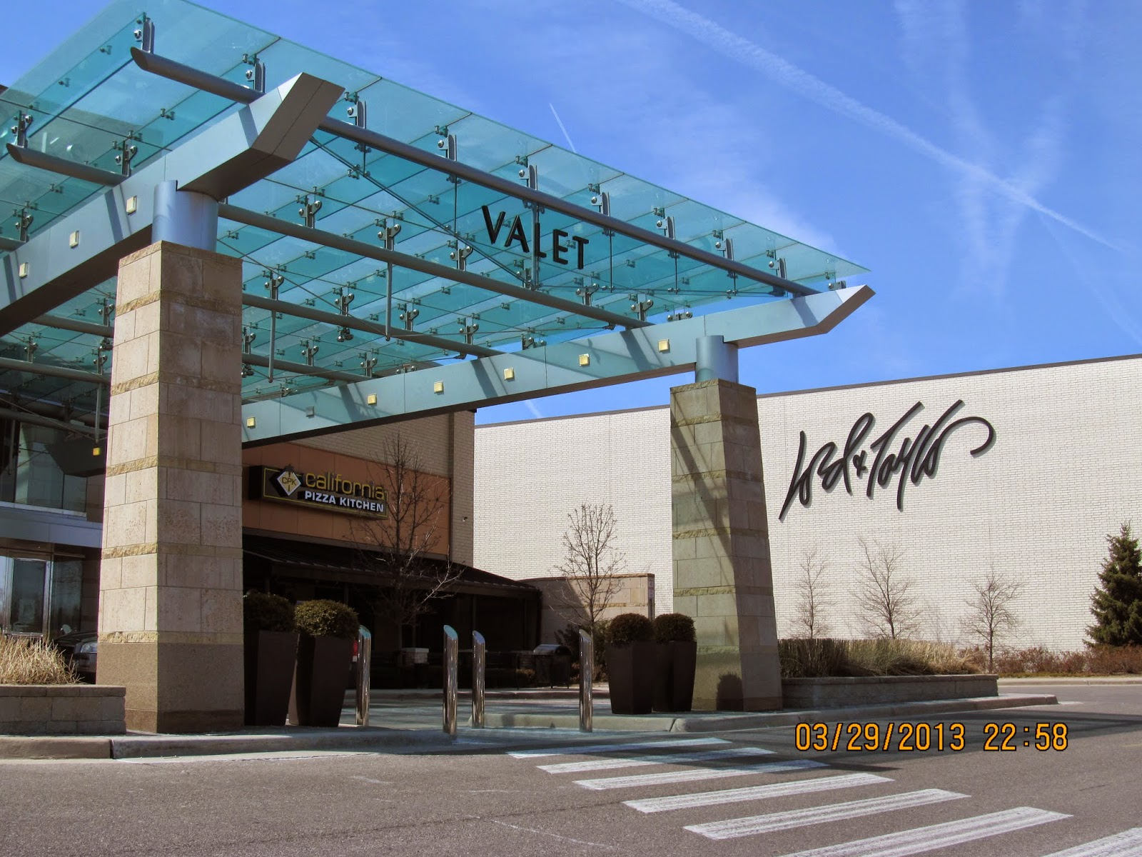 Trip to the Mall: Twelve Oaks Mall- (Novi, MI)