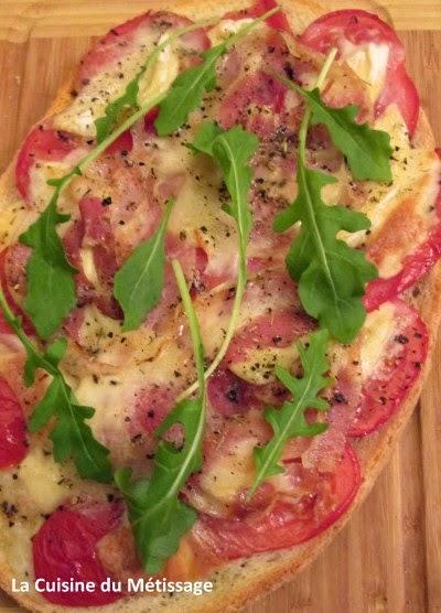 bruschetta cabécou tomate pancetta