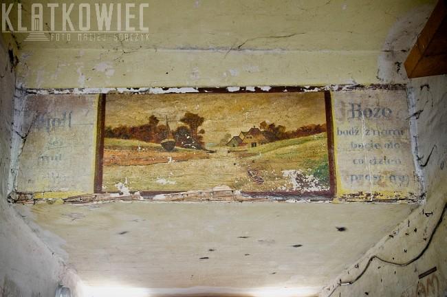 Bydgoszcz: malowidło w bramie z prośbą do Boga