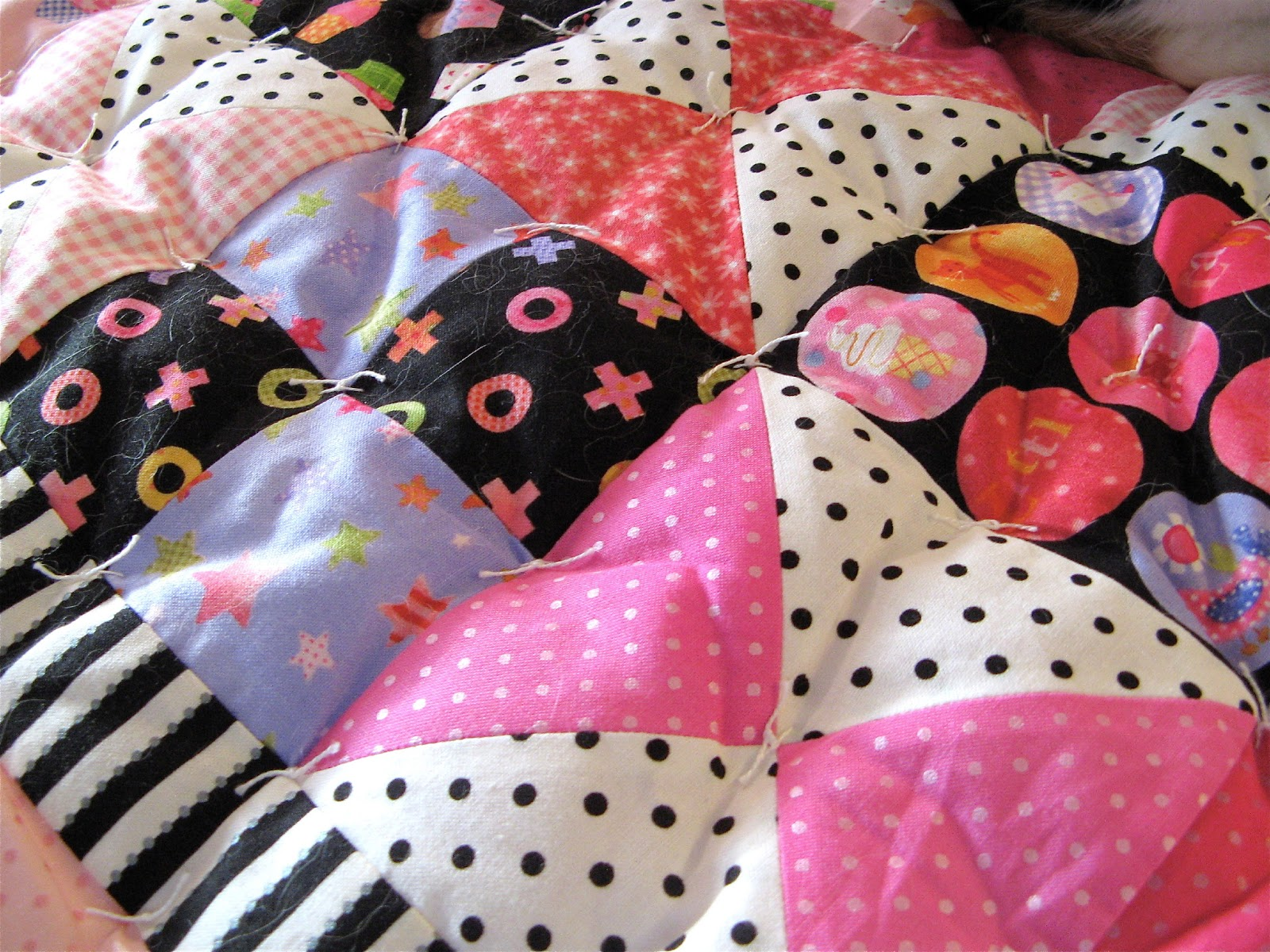 Sew Fabulous Quilt Shop: Tutorial - How To Hand Tie A Quilt : knotting quilts - Adamdwight.com