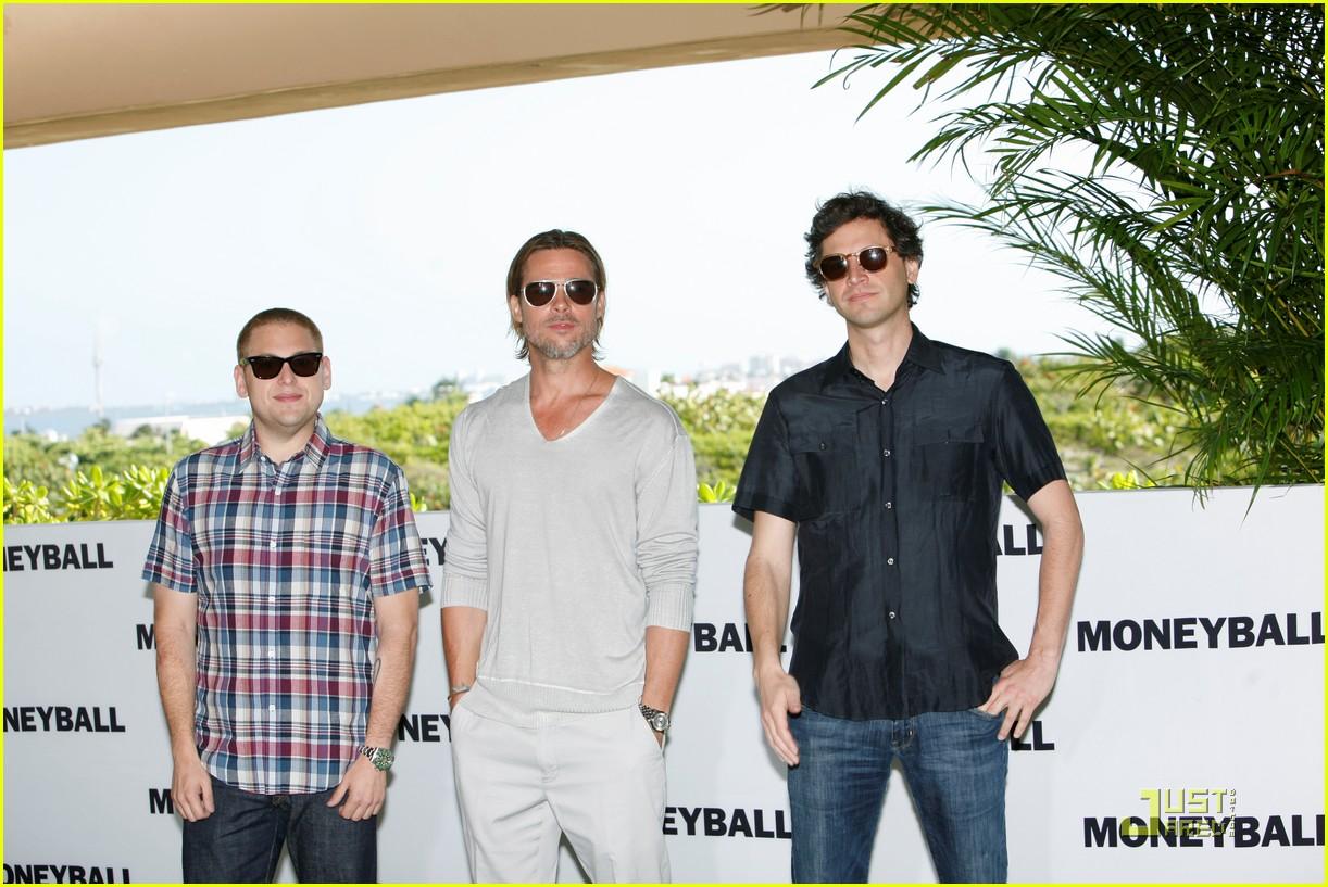 http://2.bp.blogspot.com/-uKX3nXDmGas/Th2pITopAGI/AAAAAAAADZA/ECkGvGxQLN8/s1600/brad-pitt-moneyball-blog-de-las-celebridades-del-momento6.jpg