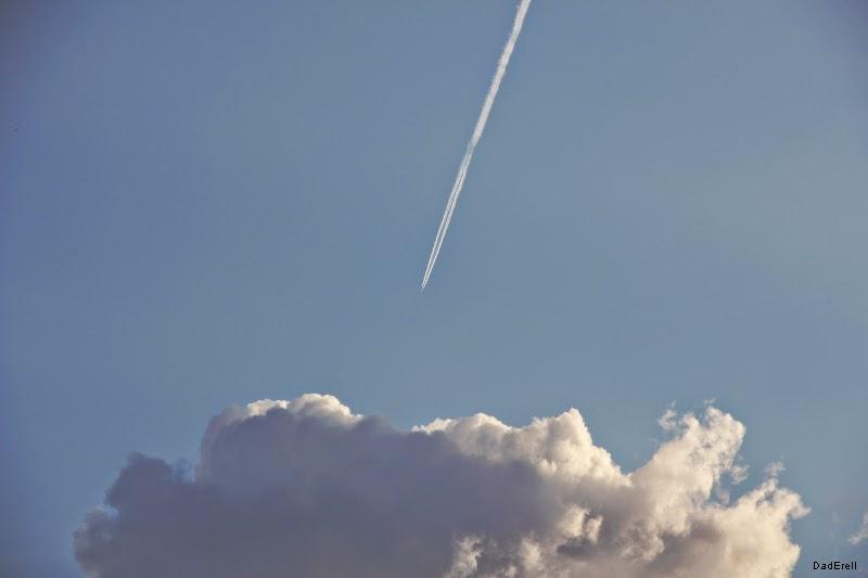 Avion et nuage