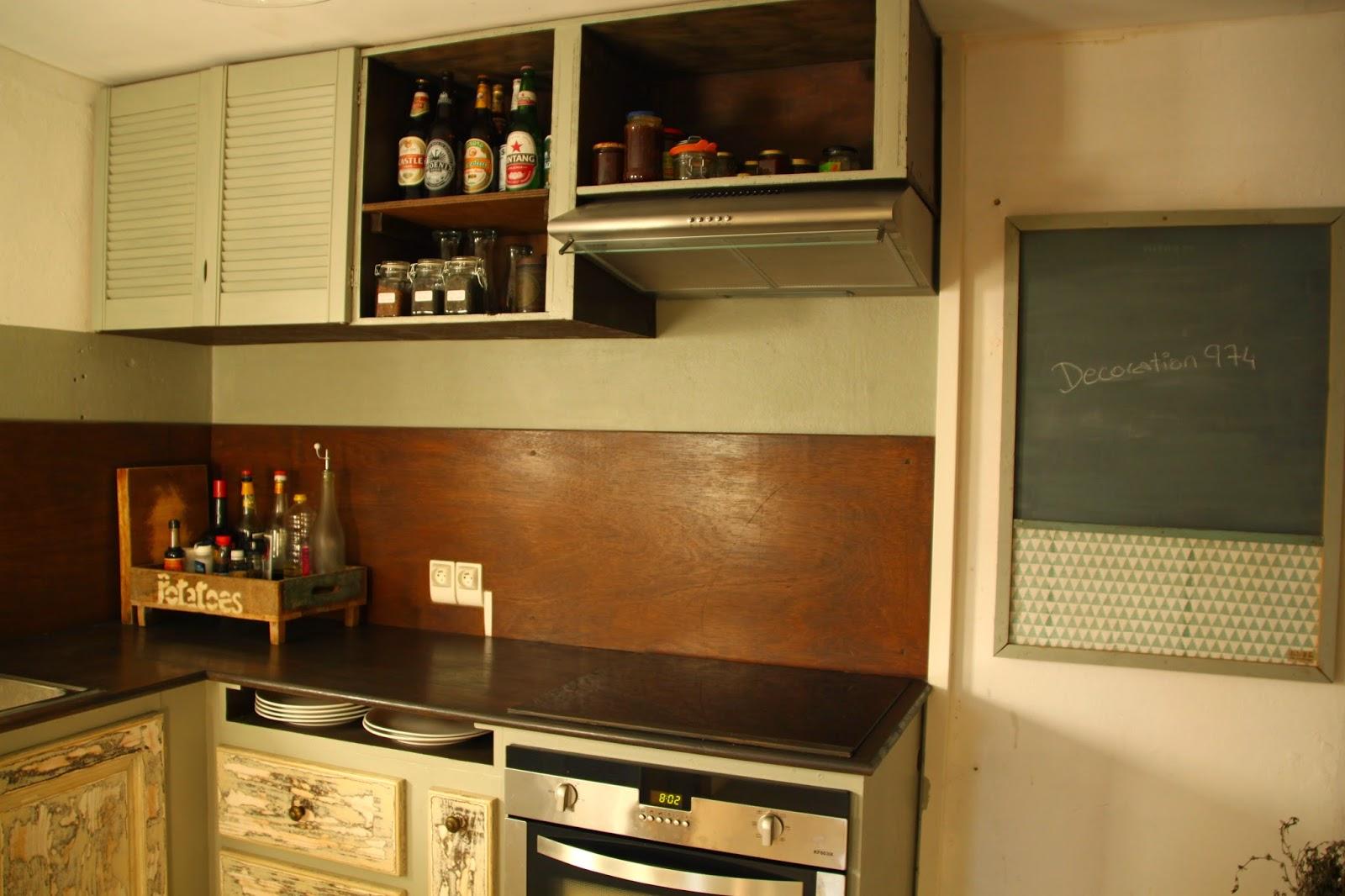 Renovation de la cuisine une cuisine for Meubles d occasion emmaus
