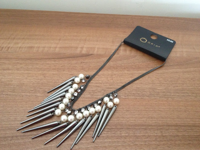 Primark Silver and Pearl Spike Necklace