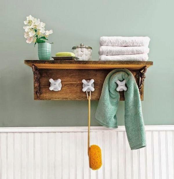 Reutilizar la antigua griferia del baño para crear un perchero reciclado