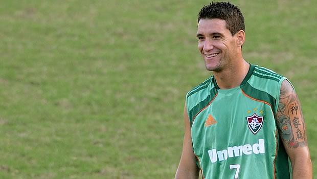 Thiago Neves reaparece no treino desta sexta e está confirmado para a decisão