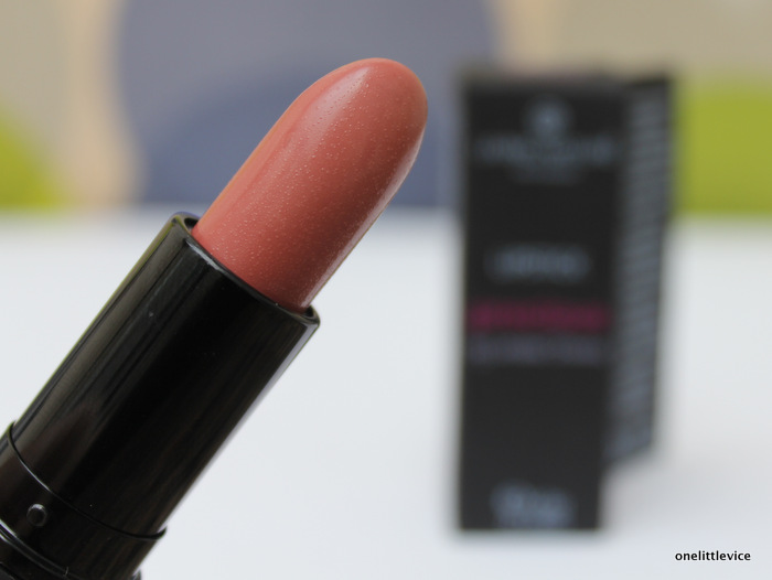 one little vice beauty blog: living nature nude shade