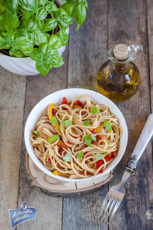 Spaghetti z papryką