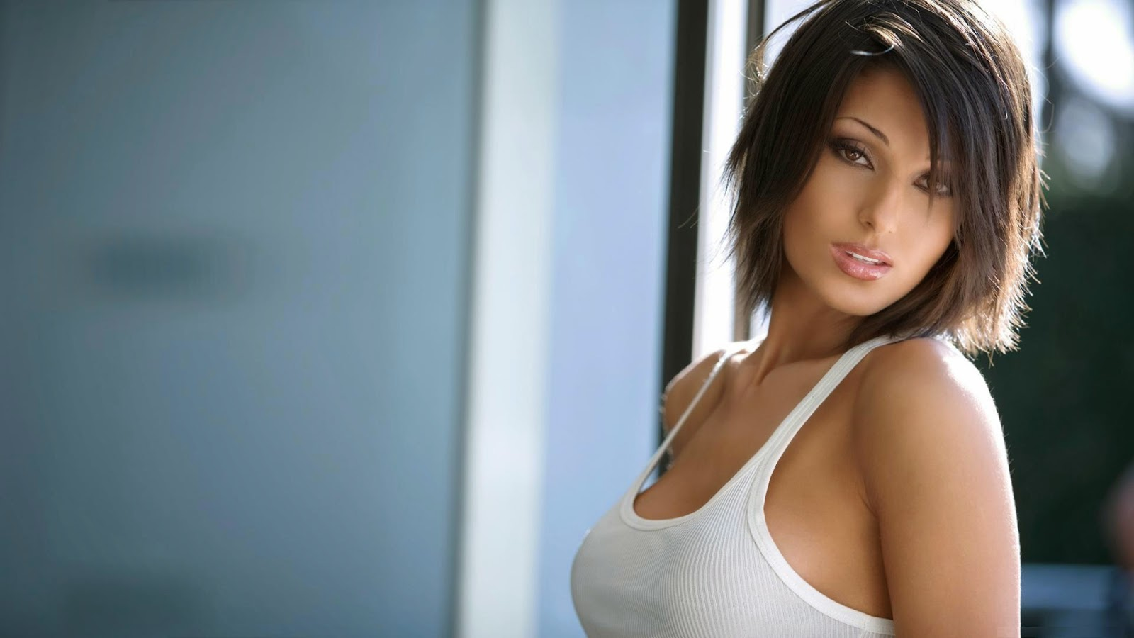 Anna Tatangelo Hd Wallpapers Free Download