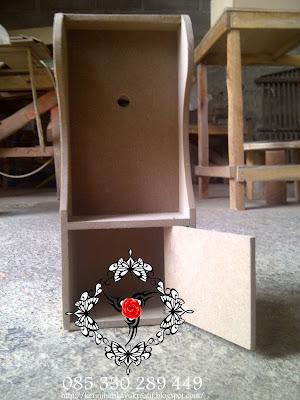Souvenir Nikah Lemari Kotak Jam Mungil