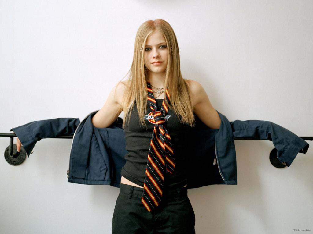 http://2.bp.blogspot.com/-uLbuta1Mlt0/T9cuIlTbHFI/AAAAAAAADqk/QuOevEkmnco/s1600/Avril+Lavigne+wallpaper+(15).jpg