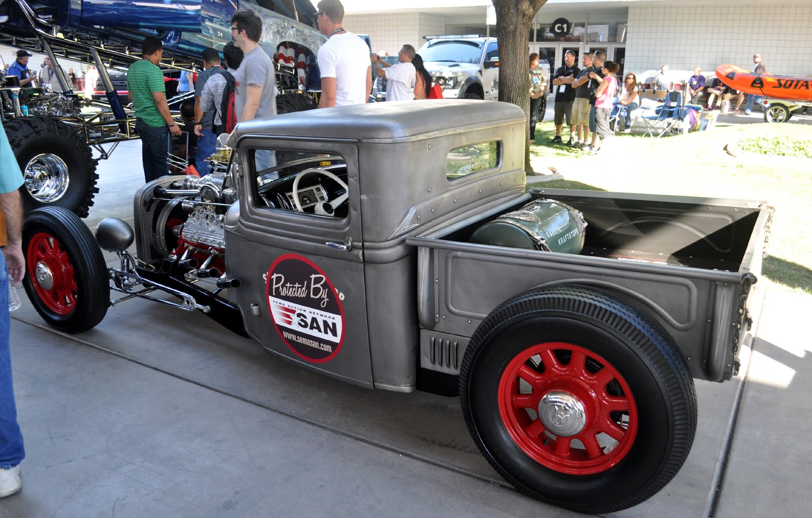 Just A Car Guy: nice hot rod, nothing on it tells us who did it, but ...