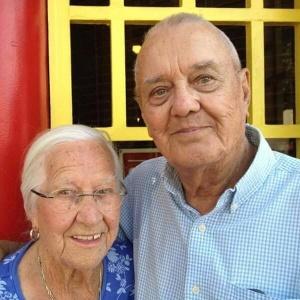 Casados há 75 anos, casal da Califórnia morre nos braços um do outro