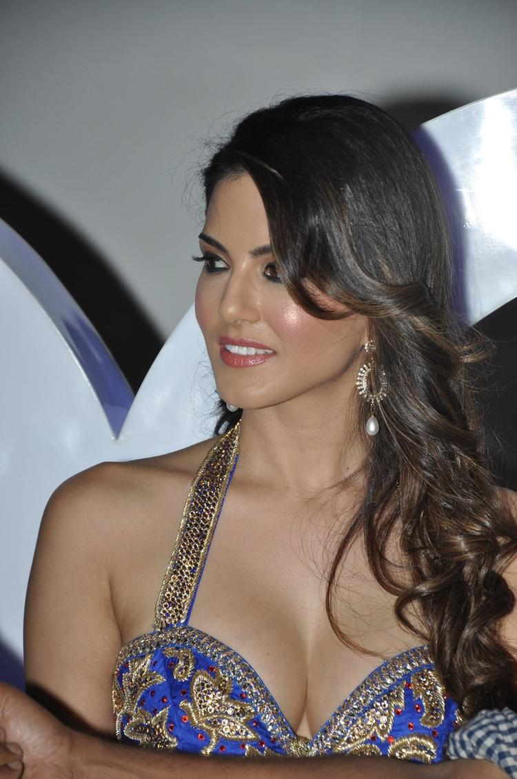 Sizzling Hot Actress Sunny Leone XXX Energy Drink