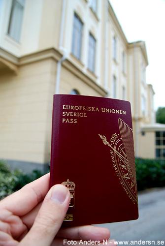svenskt pass, swedish passport, european union, polishuset i karlshamn, foto anders n
