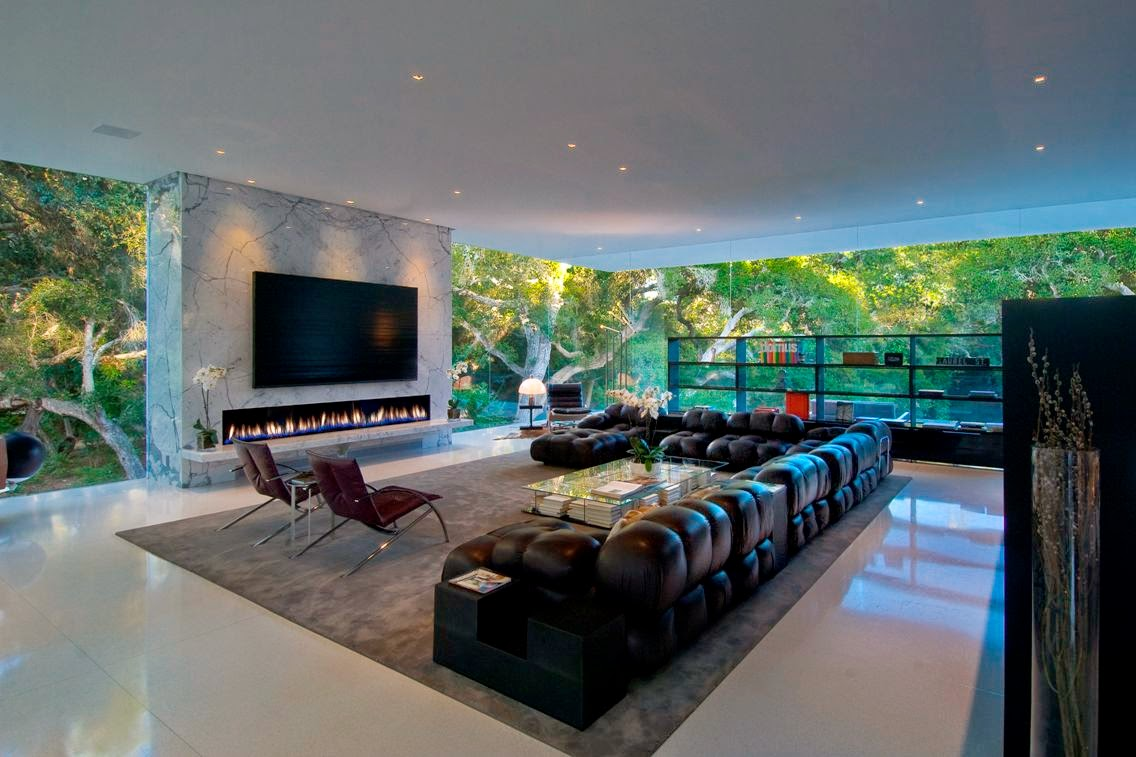 Living Room Design With Fireplace And Luxury Sofas Furniture ...