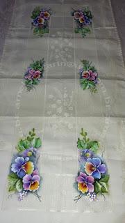 toalha para centro de mesa com pintura em tecido