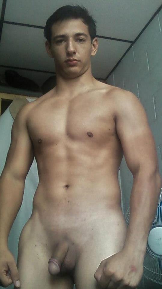 Chicos latinos en vivo desnudos