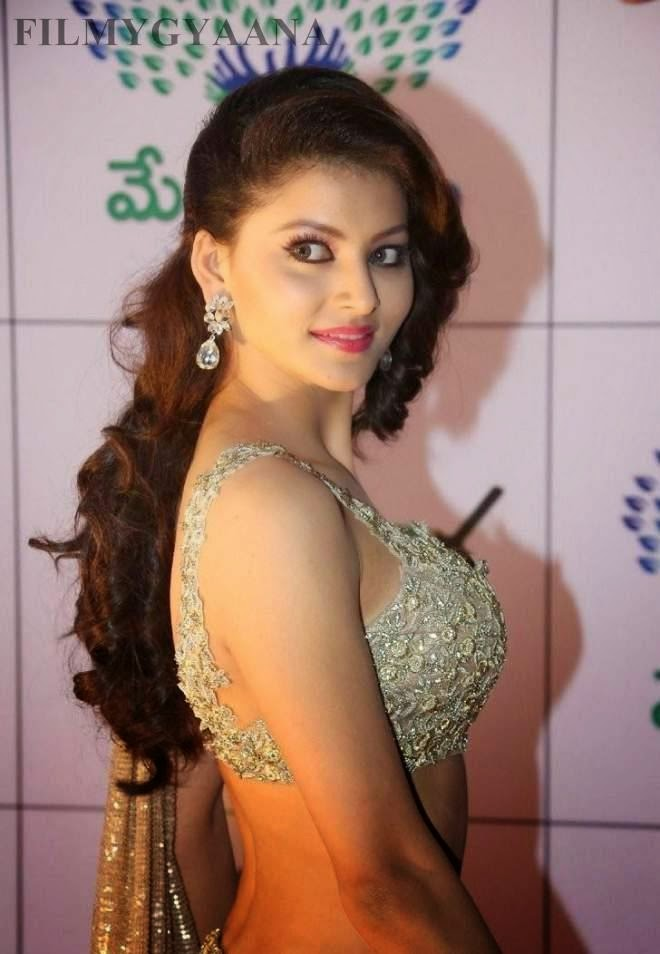 urvashi rautela latest hot navel show pics