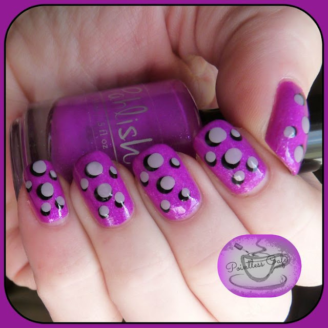 cartoon-dots-nail-art