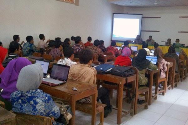 Sosialisasi Aplikasi Dapodik 2013 Kecamatan Palengaan