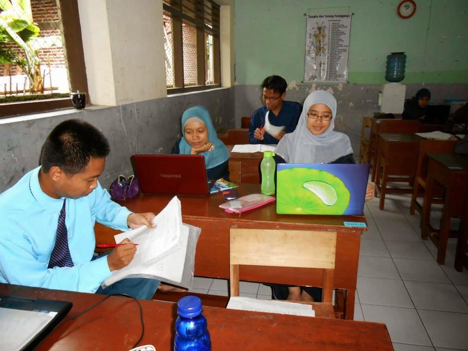Siapkan Raport, Guru SDMT Lembur