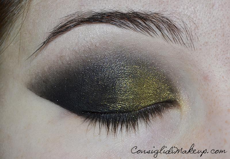 Make up occhi capodanno con foglia d'oro